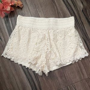 Ambiance laced stretchy mini shorts, cream